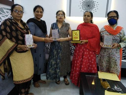 हिन्दीसेवियों को भाषा सारथी सम्मान से किया सम्मानित